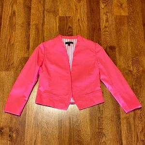 Super cute pink AT blazer in EUC!!